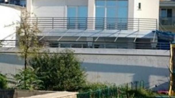 Коттедж  с видом на море в г. Евпатории по ул. Революции .