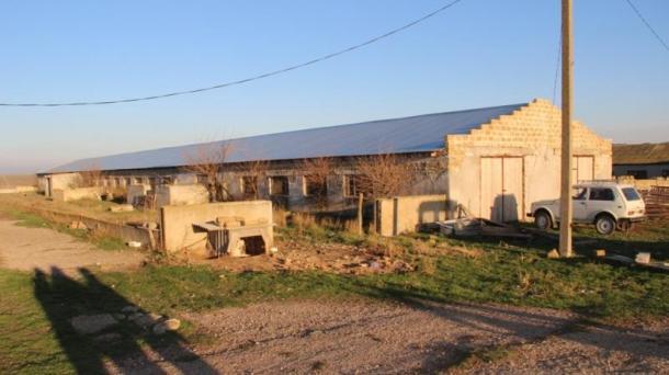 Действующая ферма в Сакском районе.