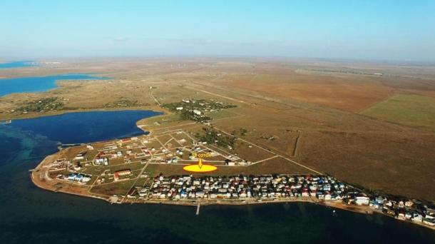 2 по 6 соток в п.Мирный, на берегу озера Донузлав.