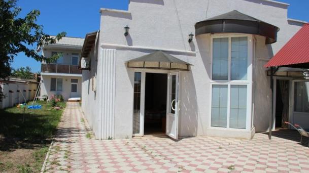 Дом + 6 номеров в пгт. Заозёрное по ул. Прибрежная (600м от моря).