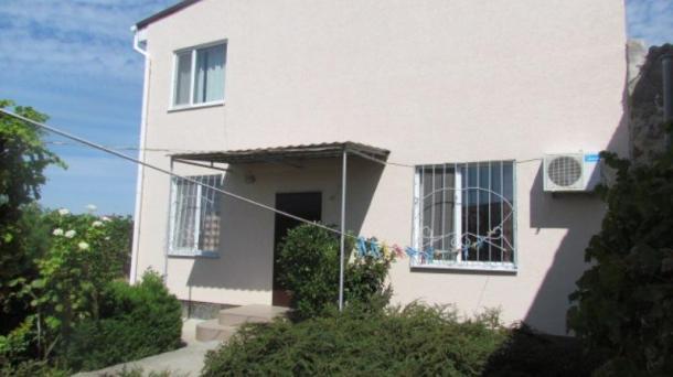 Дом с номерами в пгт.Заозёрное (1,1км от моря).
