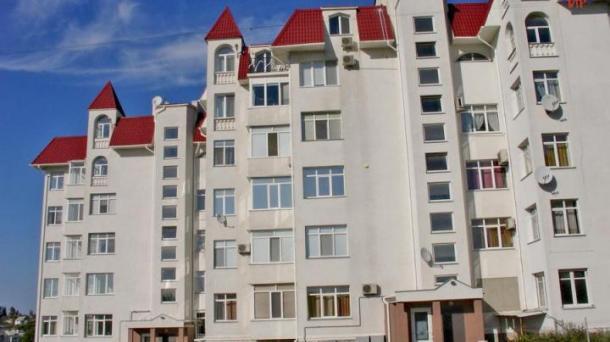 Срочно в связи с переездом, предлагается к продаже 3-х комнатная видовая квартира.