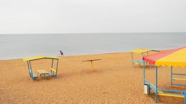 Продам действующий пансионат на Черном море под Керчью 7 га у самого пляжа.