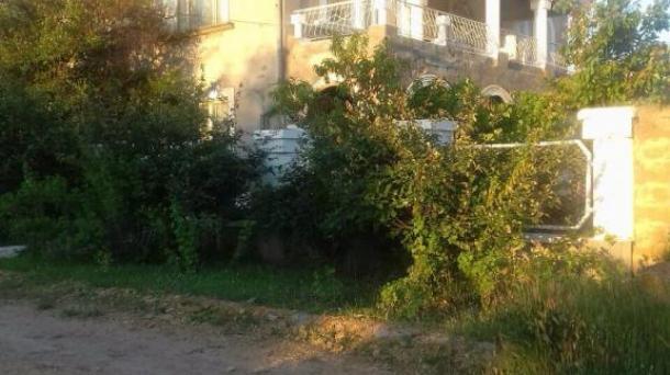 Продам дом в Северо-восточной районе, г.Саки, 265 м2, 2 этажа, 2 санузла