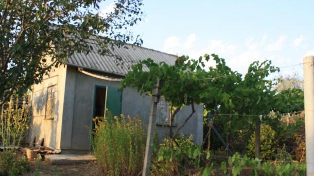 Продам два участка с домиком и садом