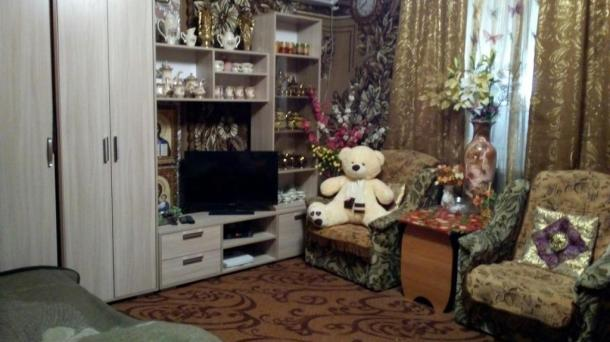 Продам 2-х кв-ру в п.Пахаревка,Джанкойский р-он