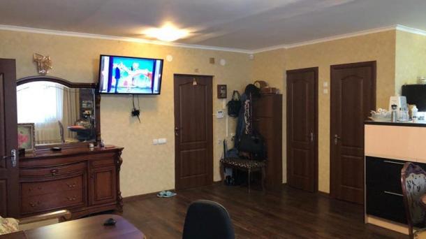 Большая однокомнатная квартира-студия по пр.Ленина.