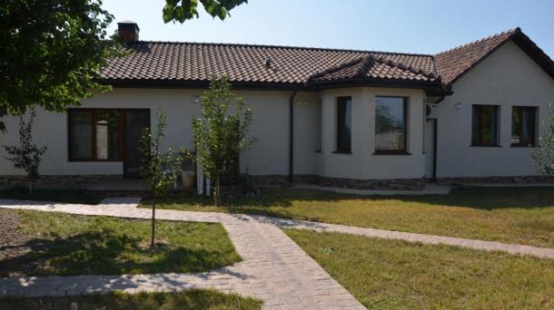 Продам Дом -Усадьба расположена в Бахчисарайском районе РК