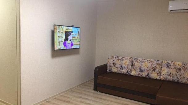 Сдам 1 комнатную квартиру улица Комбрига Потапова 24 8/10 после ремонта всё новое