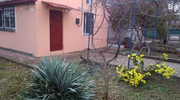 Садовый дом в СНТ  Садовод, 3км от моря.