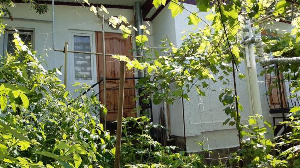 Продам часть дома в г. Ялта, переулок Лукомского.