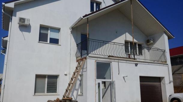 Дом в пригороде Евпатории (1,9км от моря).