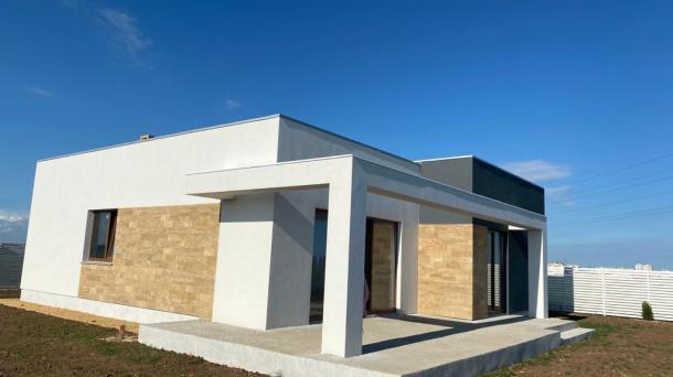 Новый дом в с. Уютное (2км от моря).