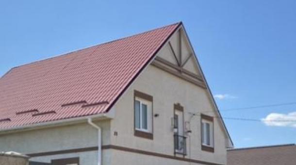 Дом  по ул. Надежды, с. Уютное (2,4 км от моря).