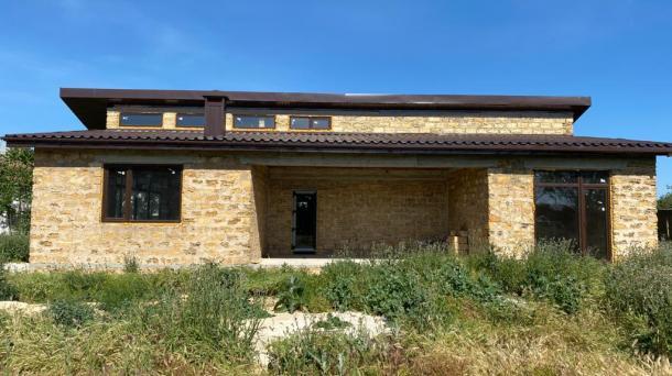 Новый дом без отделки в с. Уютное, пер.Промышленный  (2,2 км от моря).