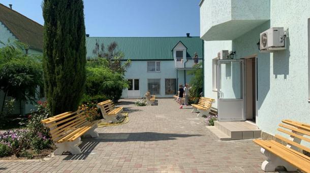 Действующая гостиница на 27 номеров в с.Штормовое (1,3км от моря).