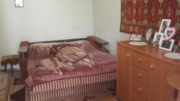 Две комнаты в общежитии по ул. Интернациональная.