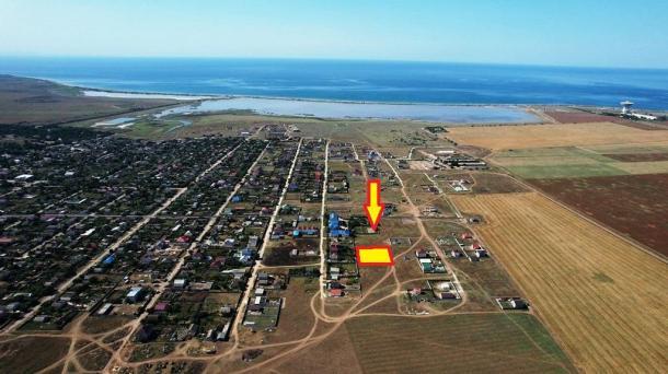 10 соток по ул.Крымская в с.Молочное, 1,5км от моря.