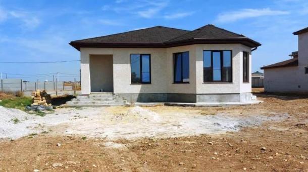 Новый дом в с. Уютное (1,5км от моря).
